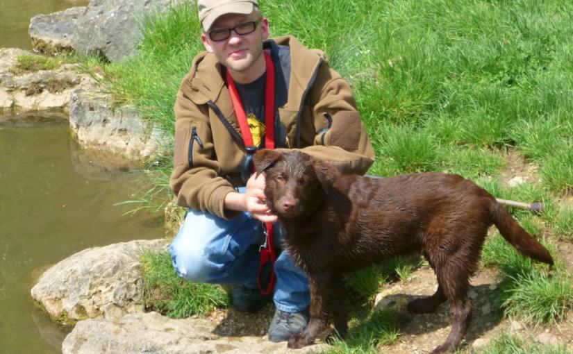 Bild von Andreas mit dem Hund Janosch