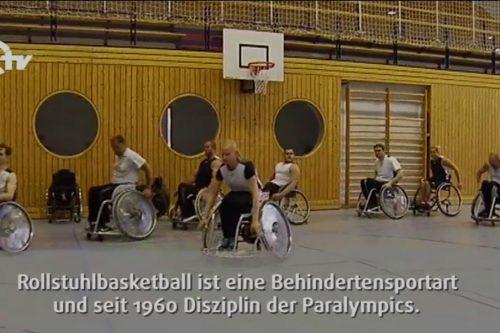 Rollstuhlbasketball-Spieler beim Training.