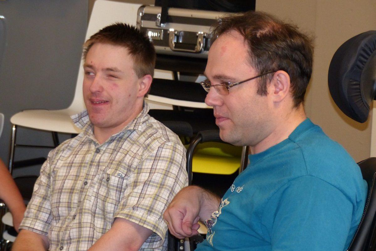 Zwei Teilnehmer der Ausbildung