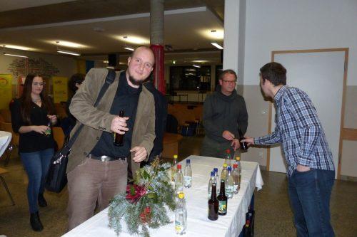 Bernd Gerlang mit einem verdienten Bier beim Catering
