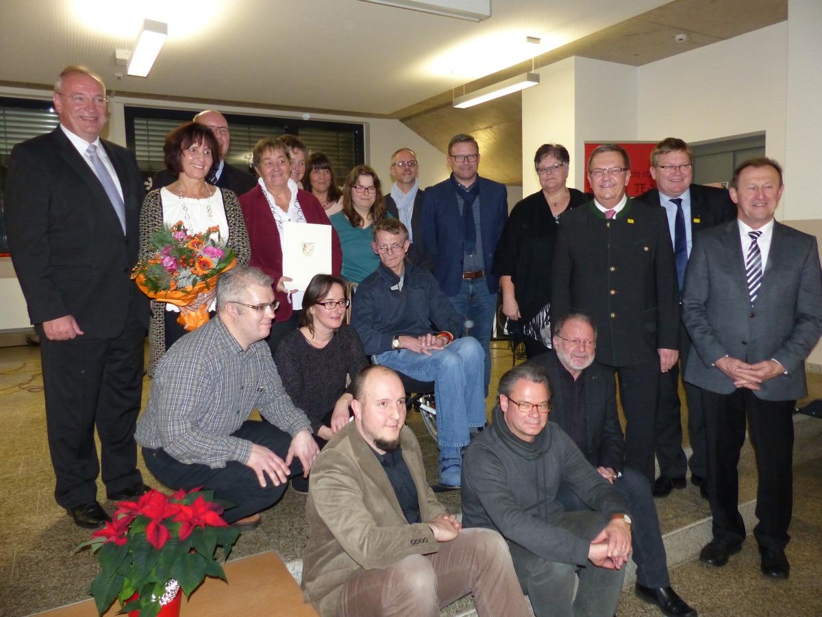 Gruppenbild des Wundernetzteams bei der Verleihung des Oberpfälzer Inklusionspreises