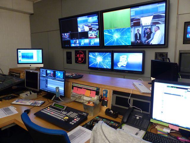 Blick in den Schneideraum bei OTV