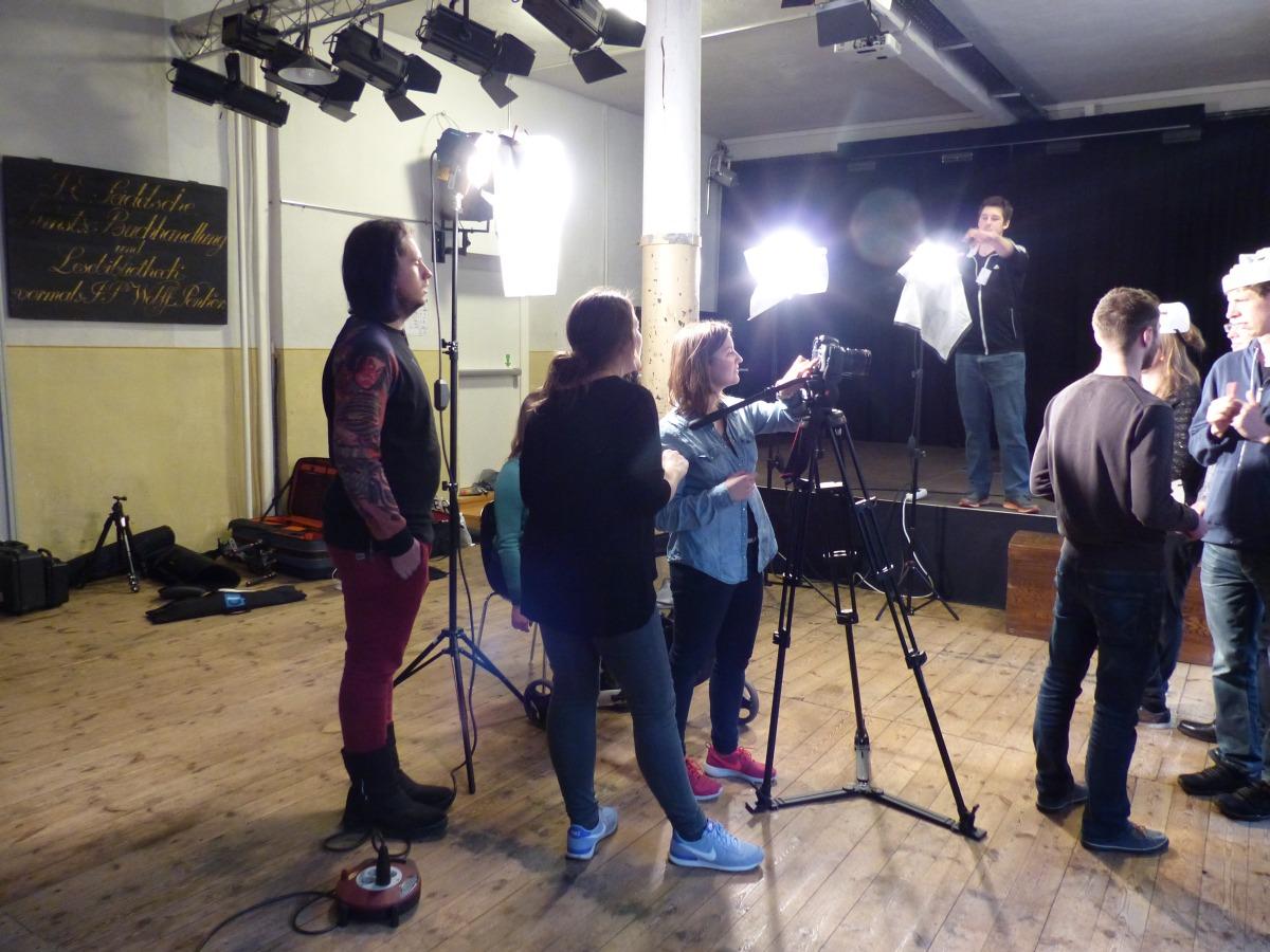 Ina und Lisa haben Franzis Musikvideo gedreht -