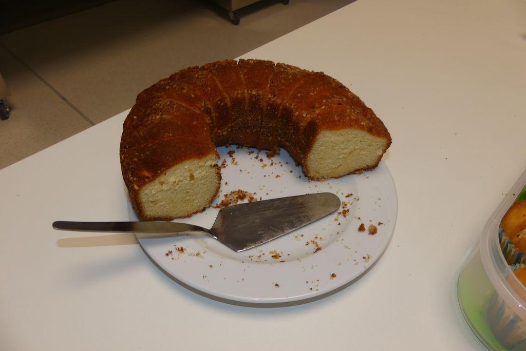 In der Pause gab es viele leckere Kuchen.