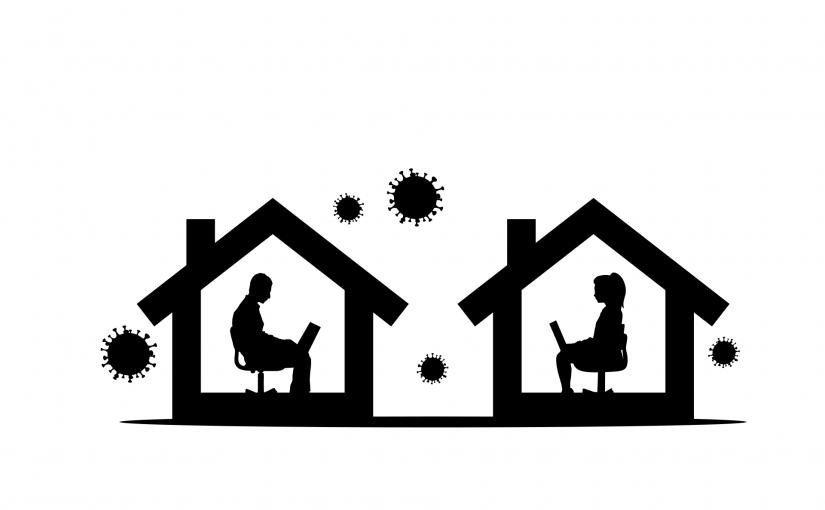 Symbolische Zeichnung in schwarz und weiß: Links sitzt eine Mann im Umriss eines Hauses. Rechts sitzt eine Frau im Umriss eines Hauses. beide sind einander zugewandt und kommunizieren miteinander durch Laptops auf ihren Knien. Außen um die Häuser herum schweben Coronaviren.